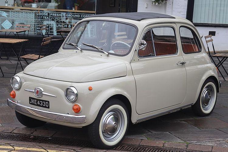 Koleksi Mobil Klasik Membawa Nuansa Nostalgia 4