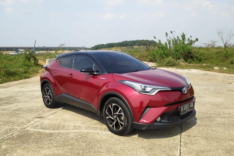 Mengintip Mewahnya Toyota C-HR Hybrid 2021 4