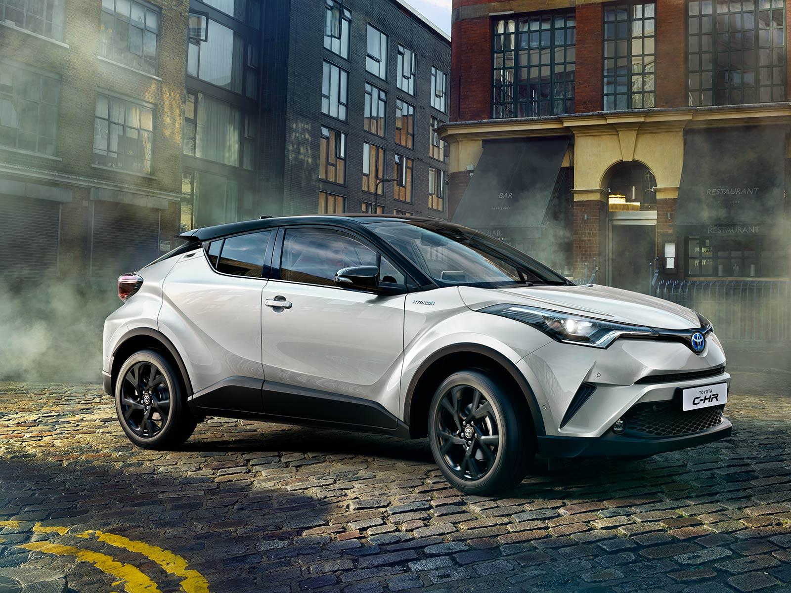 Mengintip Mewahnya Toyota C-HR Hybrid 2021 5