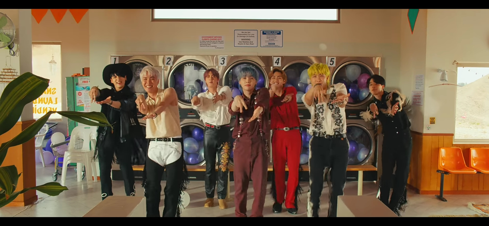 BTS Permission To Dance: Makna Lagu dari Bahasa Isyarat hingga Teori Cover 4