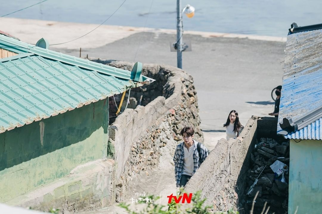 Kim Seon-ho dan Shin Min-ah (instagram.com/tvndrama.official)