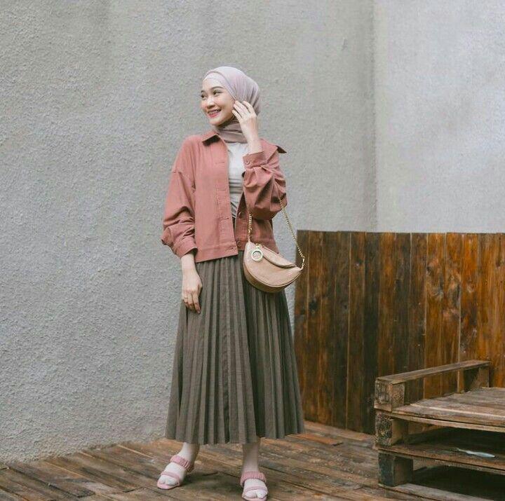 Inspirasi Padu Padan Pleated Skirt 6