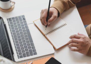 Manfaat yang Akan Kamu Dapatkan dengan Menulis! 9