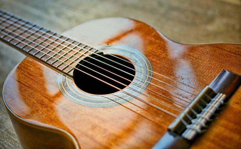 Cara Mudah Membuat Gitar Sederhana 1