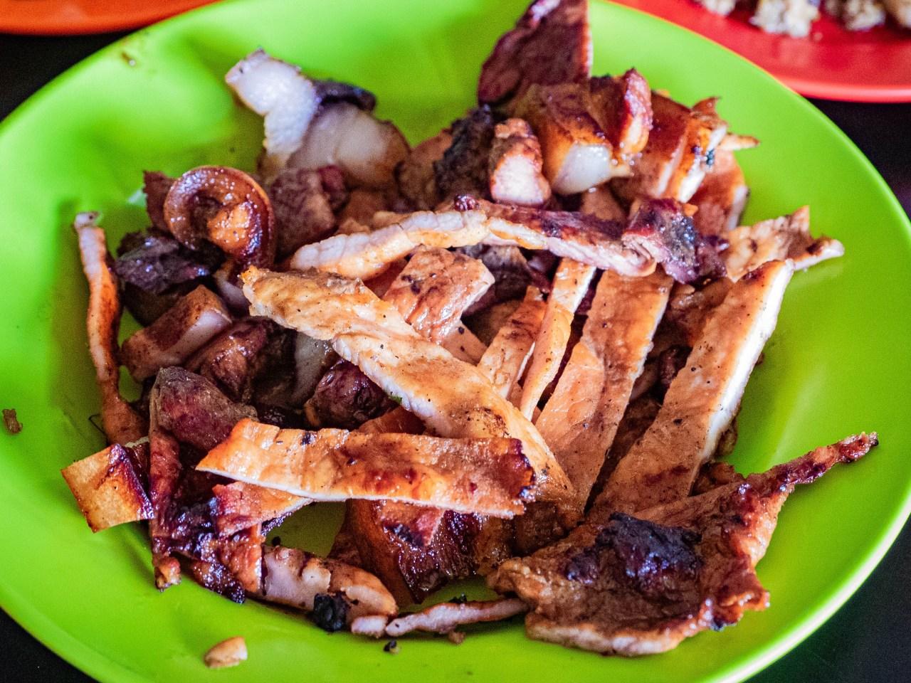 gambar babi panggang karo