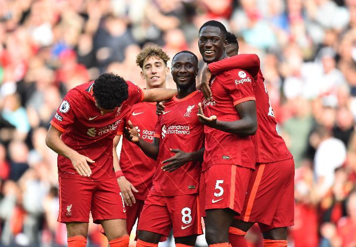 Pemain Liverpool Yang Tak Pernah Berpindah Klub 4