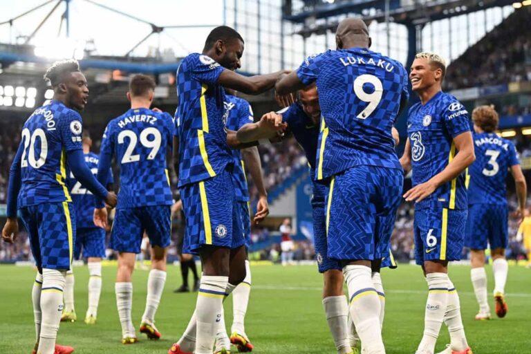 Chelsea Menang, Bermain Menyerang 1