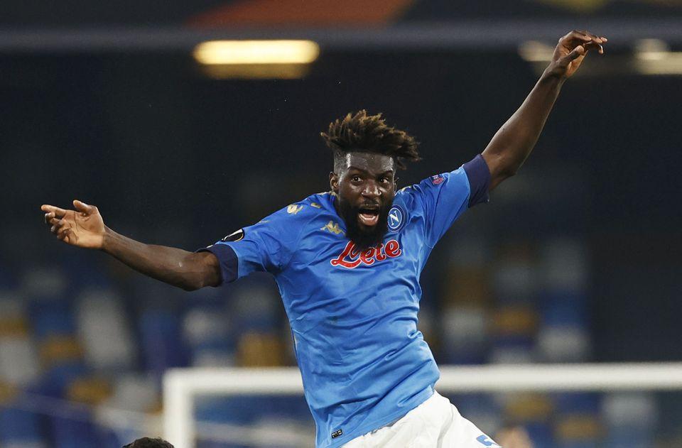 Napoli Catat Kemenangan Sempurna 6