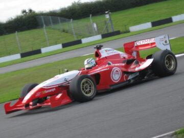 Tim Balap Mobil Klub Sepakbola Liverpool FC, Liverpool FC Superleague Formula Racing Team 9