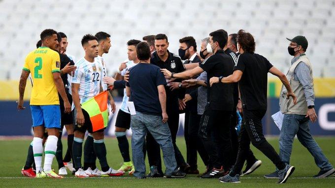 Brasil vs Argentina Berakhir Kisruh, Otoritas Kesehatan Paksa Masuk Lapangan 1
