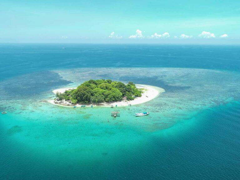5 Pulau Eksotis di Sulawesi Selatan yang Wajib Kamu Kunjungi! 1