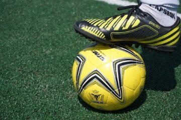 Tips Memilih Sepatu Futsal Yang Tepat 16