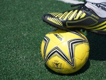 Tips Memilih Sepatu Futsal Yang Tepat 4