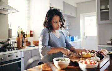 Memasak Makananmu Sendiri di Rumah Ternyata Memiliki Beragam Manfaat, Lho! 11