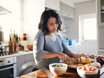 Memasak Makananmu Sendiri di Rumah Ternyata Memiliki Beragam Manfaat, Lho! 6