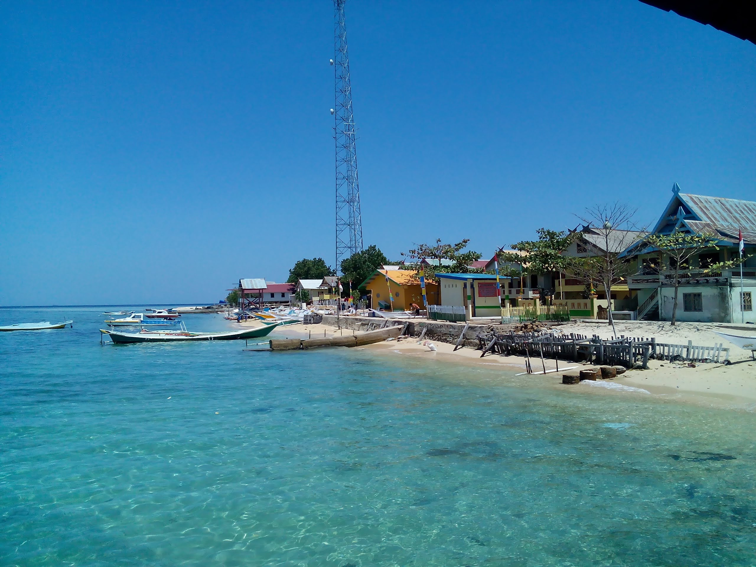 5 Pulau Eksotis di Sulawesi Selatan yang Wajib Kamu Kunjungi! 6