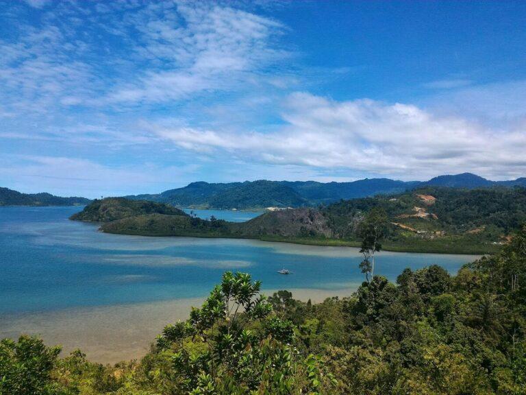 Destinasi Wisata: Pulau Mandeh 1
