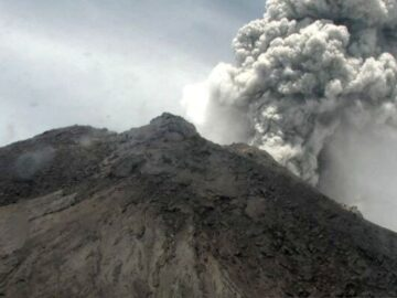 Menguak Misteri Gunung Merapi dan Ratu Adil 4