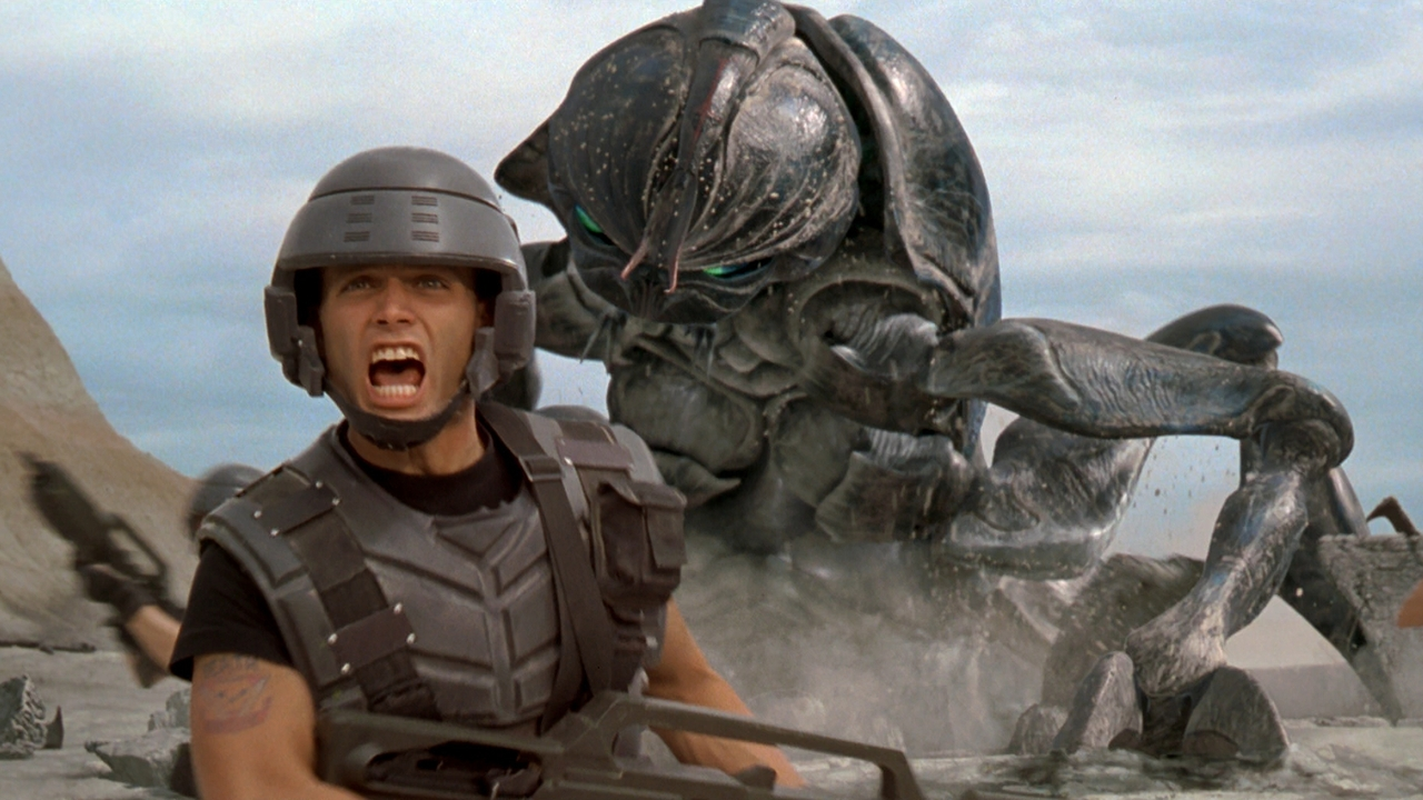 Tangkapan Layar Film Starship Troopers (1995)Sumber: MUBI
